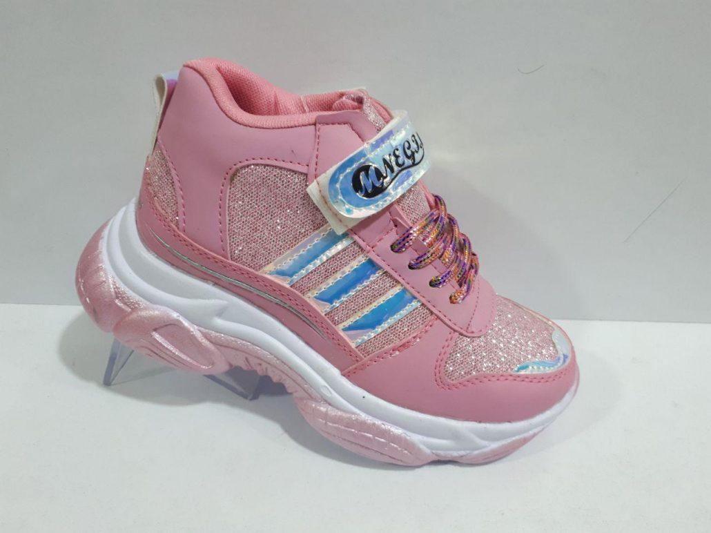 چه نکاتی را باید هنگام خرید کفش بچه گانه در نظر بگیریم 4