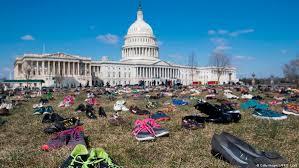 چیدن کفش ها در برابر کنگره